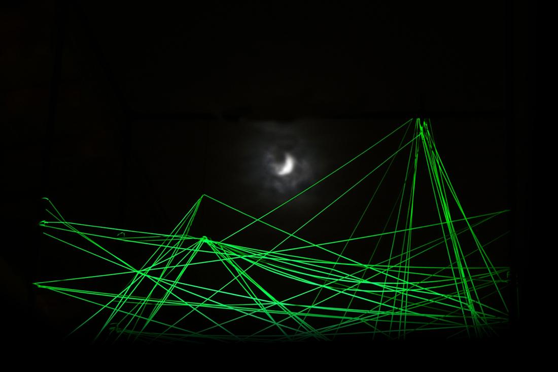 Lichtinstallation - Landscape-Moon-1100px