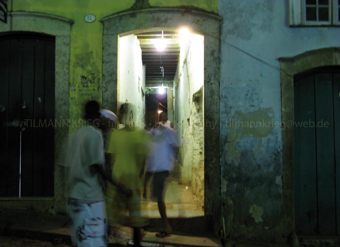 """cidade da poesia """"dreamsellers"""" - lightbrush on aluminium, 100 x 75 cm, Tilmann Krieg 2004, Salvador Bahia"""