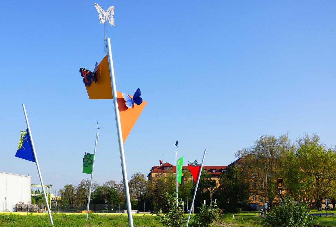 Skulpturengruppe mit ökologischer Thematik von Tilmann Krieg. Rheinhafen Kehl 2016 7 Elemente, teils kinetisch in Zusammenarbeit mit dem Naturschutzbeauftragten des Landkreises, Dr. Nikusch