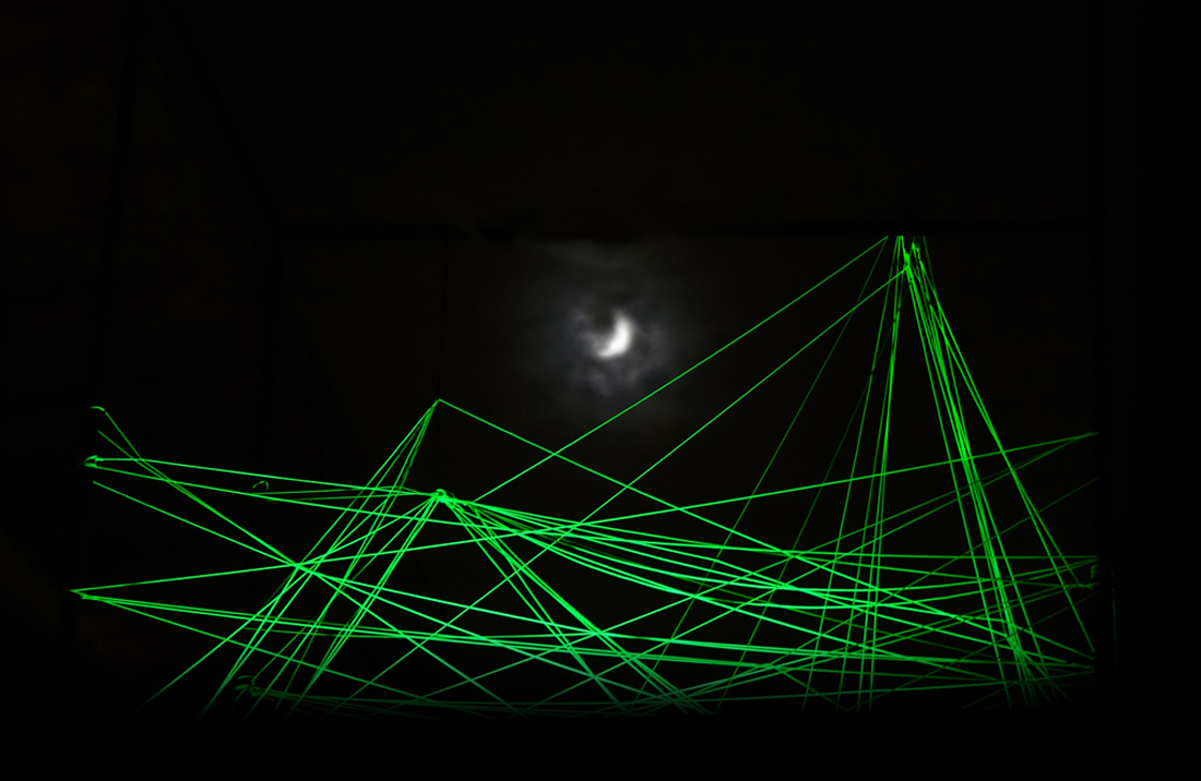 Landscape under Full Moon - Lichtinstallation Tilmann Krieg Rooftop Gallery Cascade Art Space, 2014